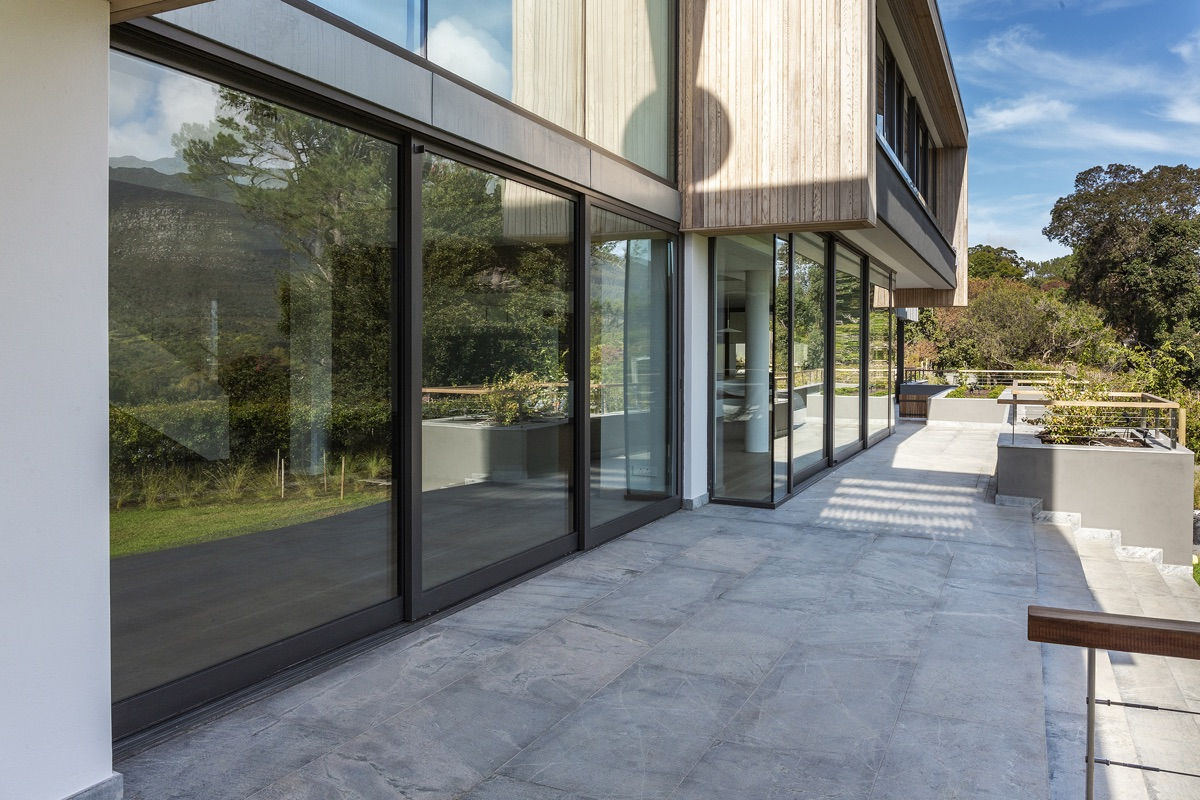 Artmar-GRANITE_1200x600x15mm_Speckled-White-Granite-Tiles_Leathered-Finish-1-5.jpg