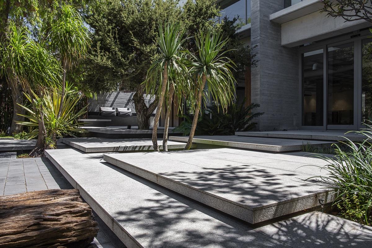 Artmar-GRANITE_1200x600x15mm_Speckled-White-Granite-Tiles_Leathered-Finish-3.jpg
