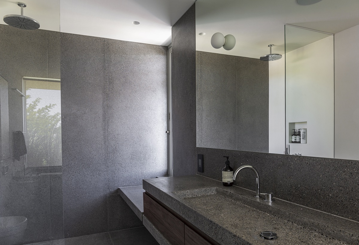 Artmar-GRANITE_RESIDENTIAL-PROJECT_1200x600x15mm_Santa-Monica-Granite_Leathered-Finish_Wall-application.jpg