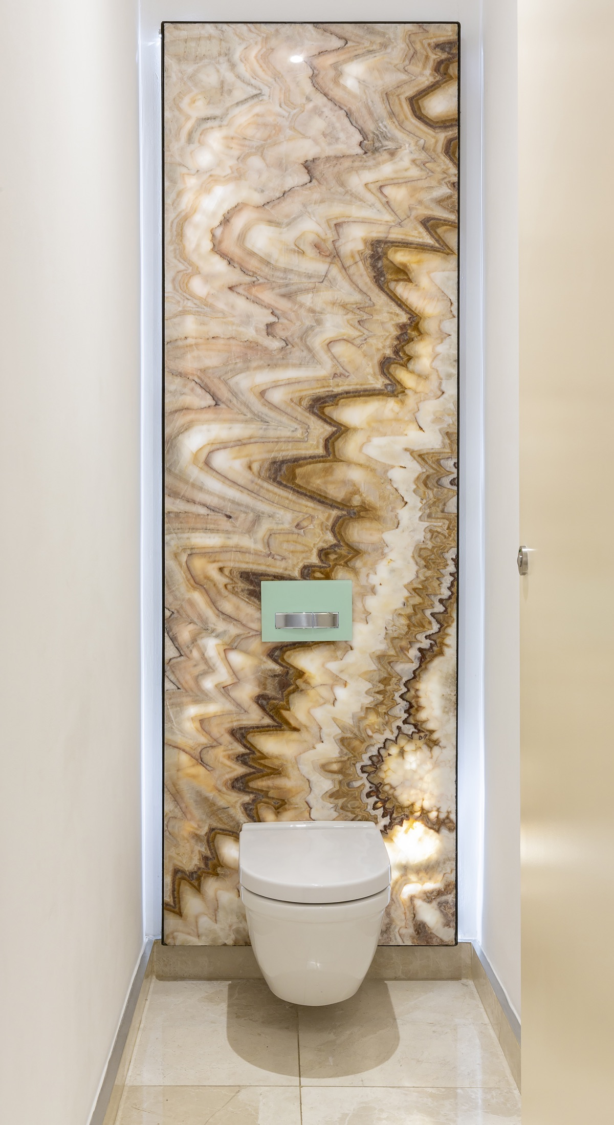 Artmar-MARBLE-SLABS_COMMERCIAL-PROJECT_Lanzerac-Hotel_Honey-Rainbow-Onyx-Feature-wall_supply-fit-2.jpg