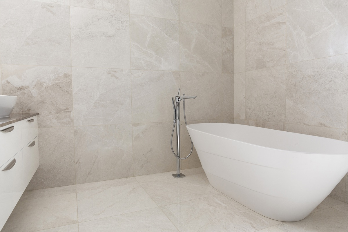 Artmar-MARBLE-TILES_RESIDENTIAL-PROJECT_1200x600x12mm_Palamino-Marble-Tiles_Wall-Floor-application-.jpg